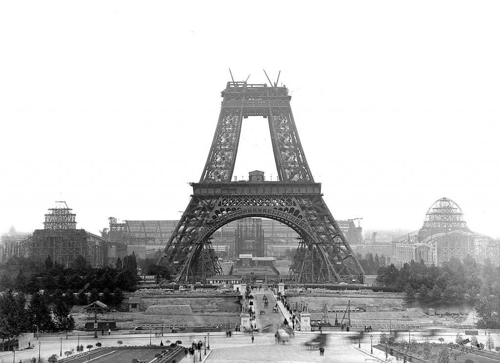 برج ایفل در حال ساخت