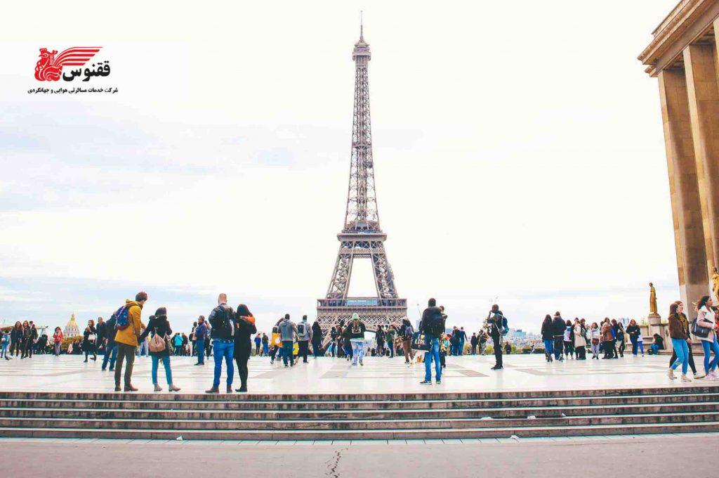 گشتوگذار در پاریس