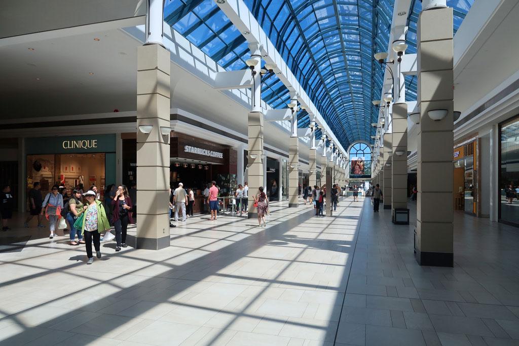 مرکز خرید CF Richmond Centre، ریچموند - مراکز خرید در کانادا