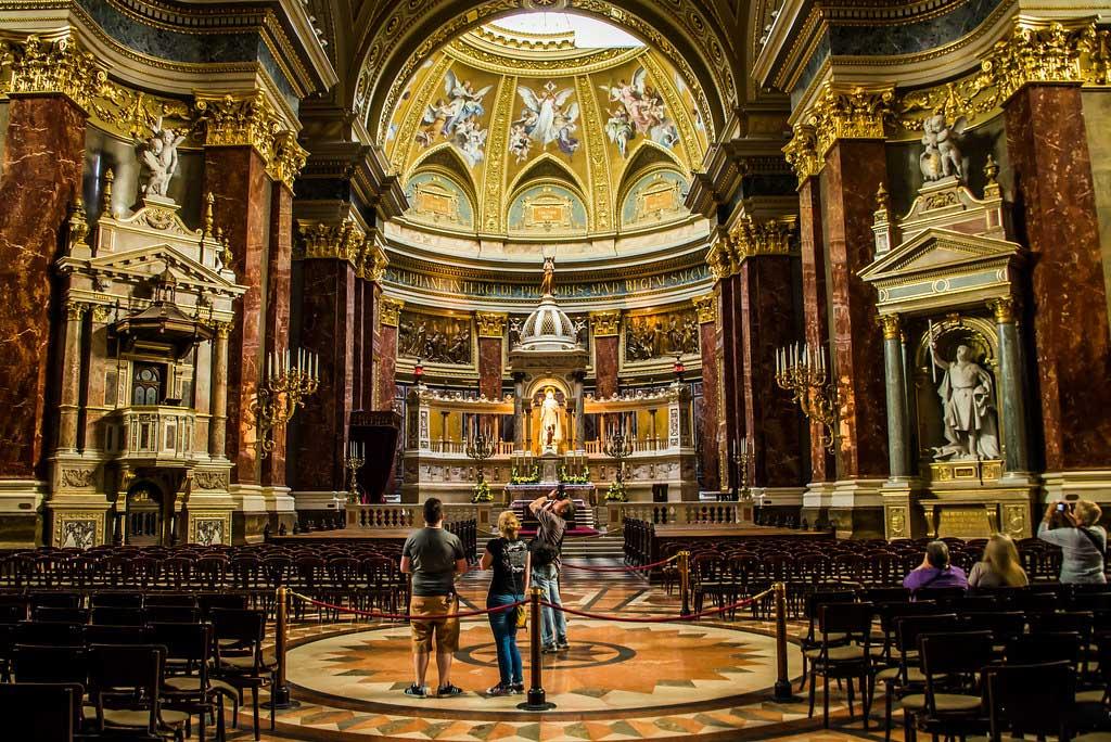 تزئینات کلیسای سنت استفان بوداپست