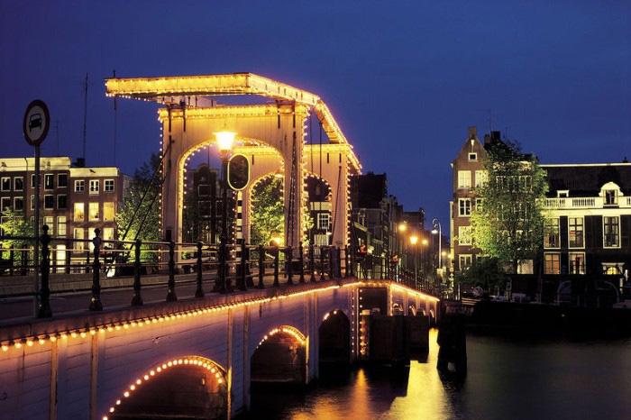 پلهای آمستردام