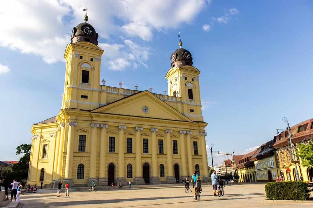 کلیسای بزرگ دبرسن - جاذبههای گردشگری مجارستان