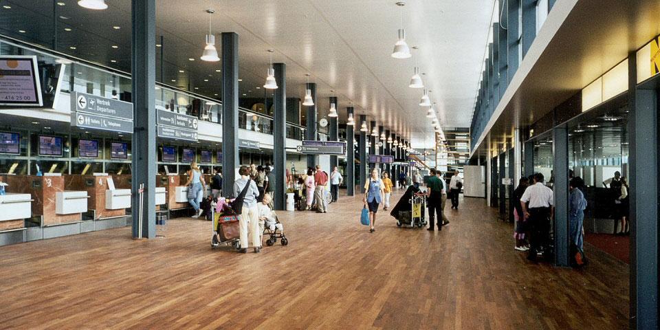 فضای داخلی فرودگاه روتردام