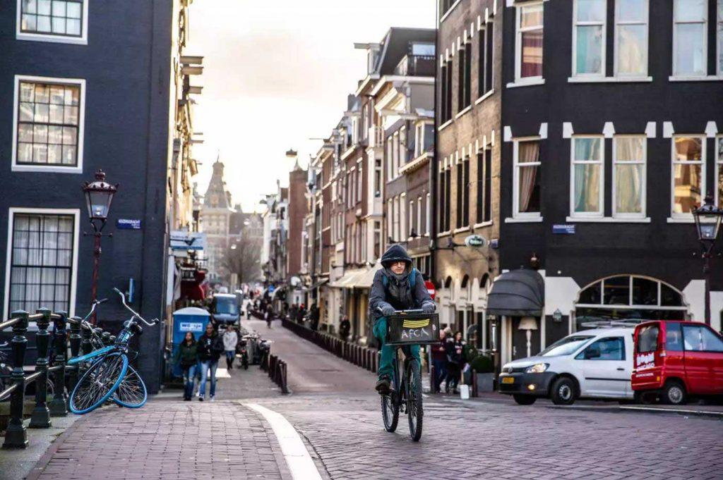نحوه استفاده از دوچرخههای آمستردام