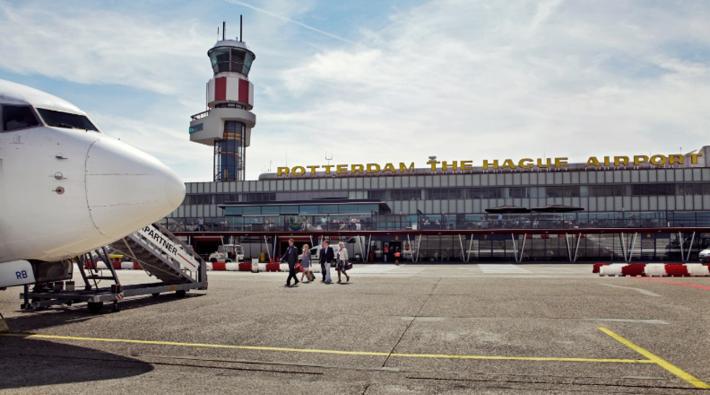 نمای ورودی فرودگاه روتردام