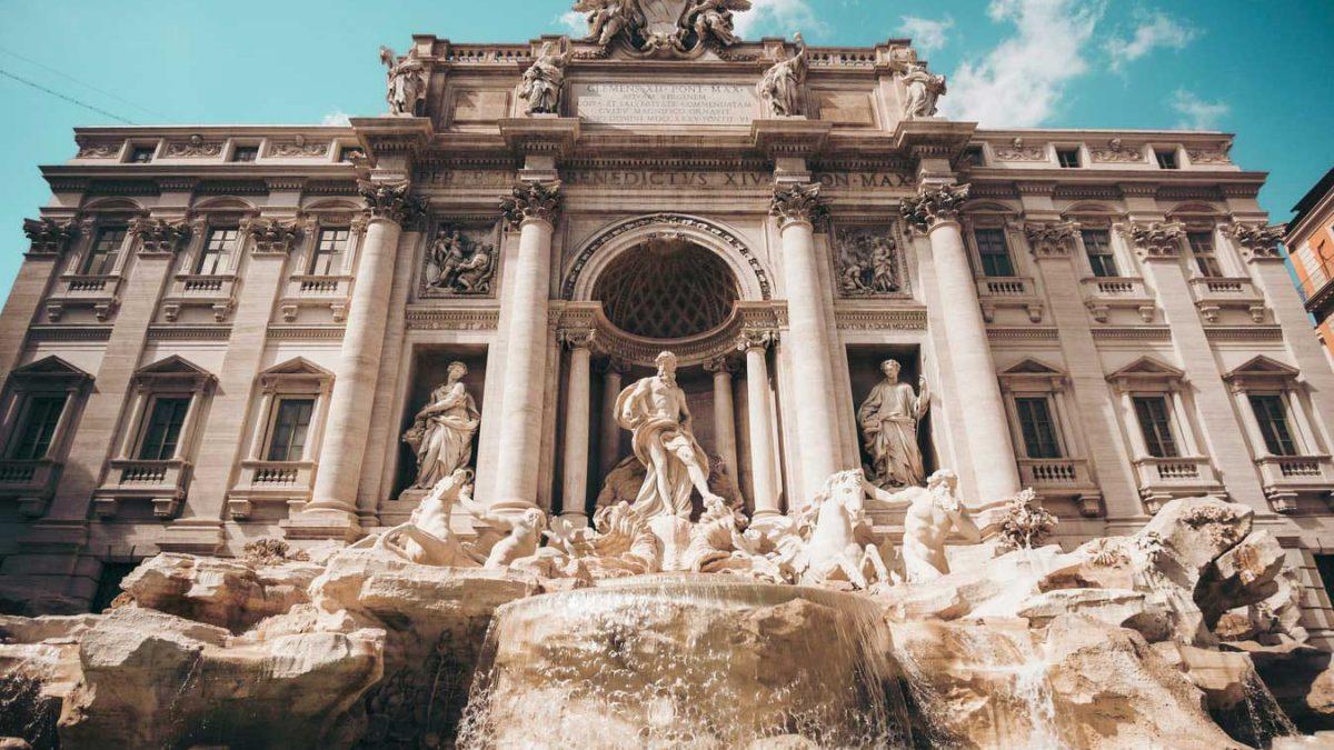 فوارهی تروی رم، مشهورترین آبنمای جهان