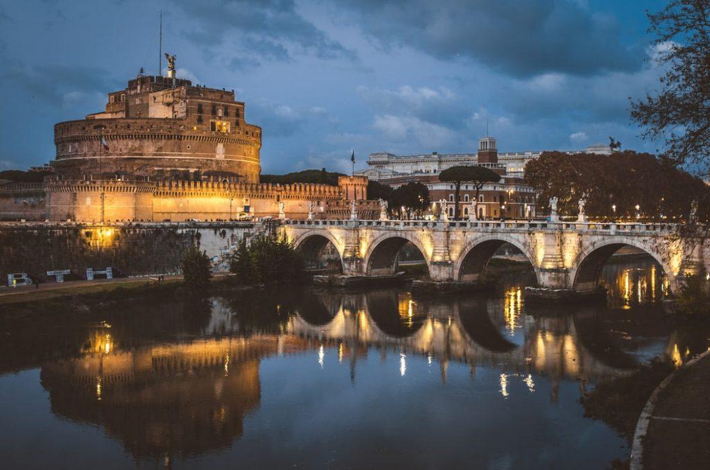 پل و قلعه سنت آنجلو رم