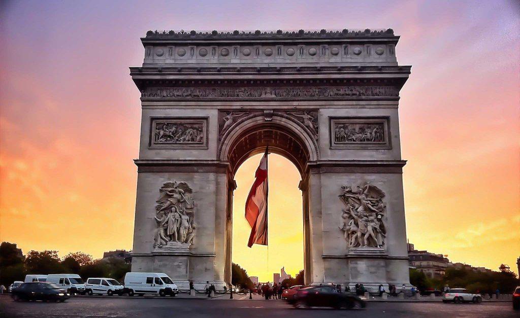 درباره طاق پیروزی پاریس