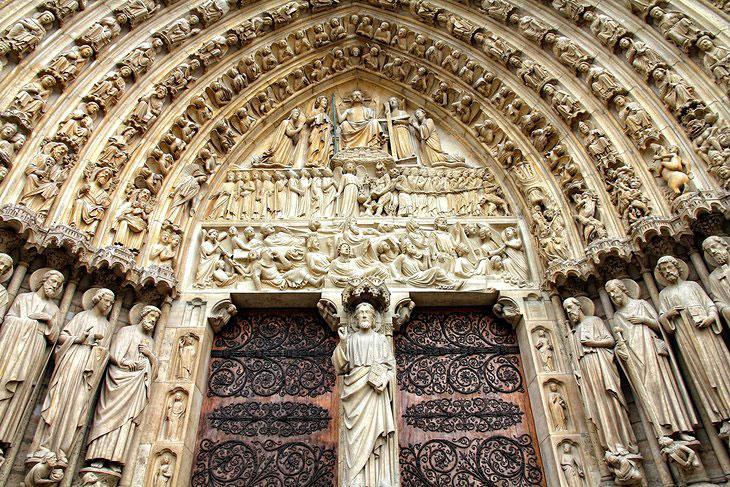 ورودی کلیسا