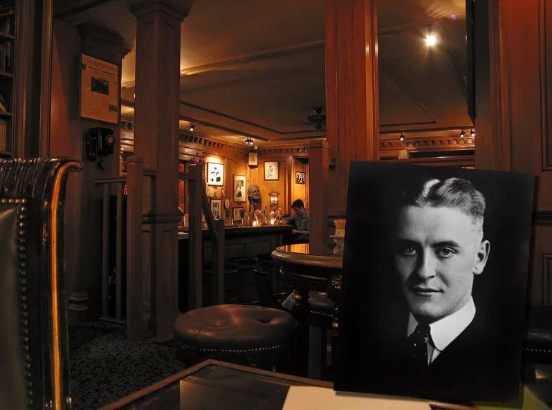 Bar Hemingway - کافههای پاریس