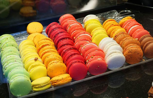 MACARONS - شیرینیهای پاریس