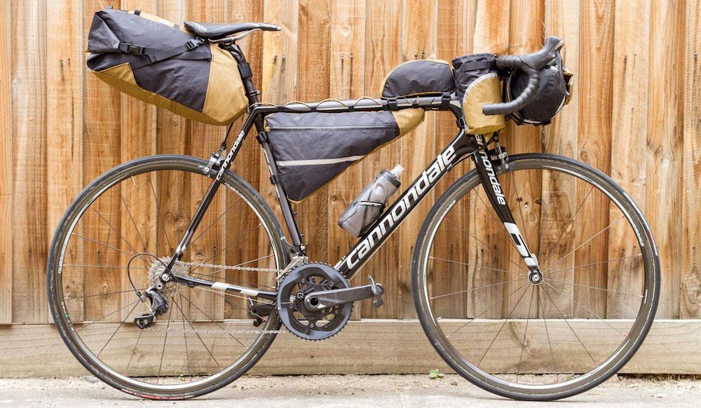 انواع کیف وسایل لازم برای سفر با دوچرخه