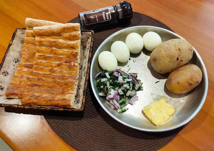 ساندویچ سیب زمینی و تخم مرغ