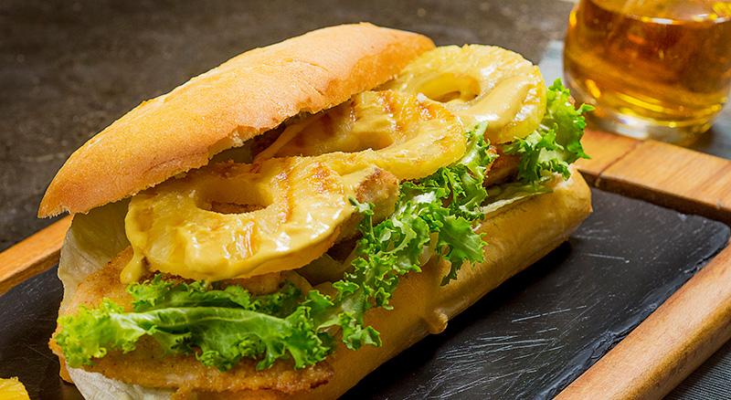 ساندویچ مرغ - غذا برای مسافرت
