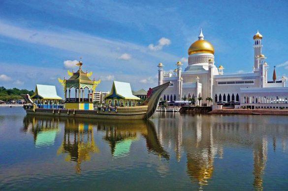آشنایی با بزرگترین کاخهای جهان