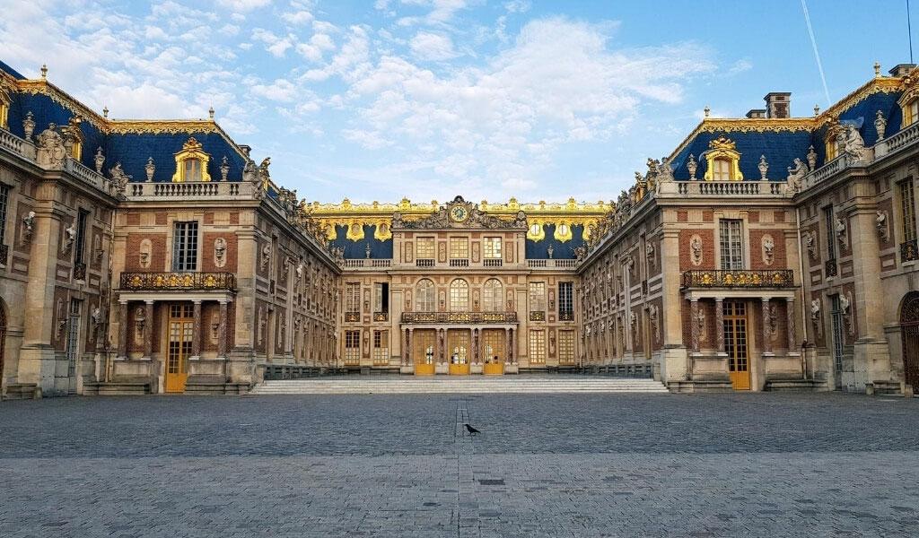 فهرست زیباترین کاخهای جهان، ۷ شاهکار معماری + تصویر