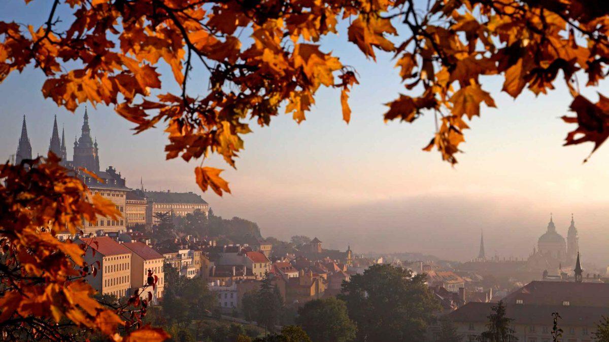 ۴ مقصد بینظیر برای سفر پاییز در اروپا + تصاویر